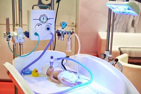 临床思考:新生儿生后8天,出现呼吸困难为哪般?