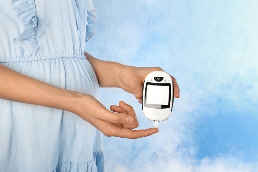 糖尿病母亲婴儿的低血糖的临床与处理